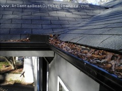 Get Your Dirty Gutters Cleaned by Roswell's Best Gutter Cleaners